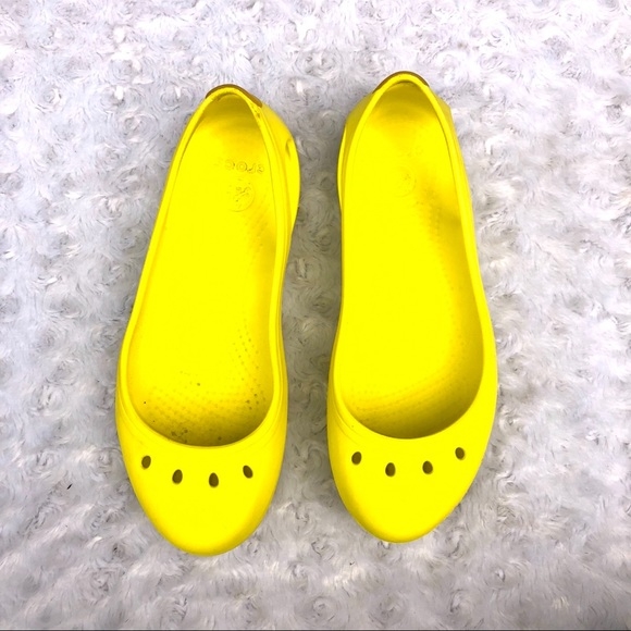 latest trends of 2019 cost charm outstanding features Women's Crocs yellow flats size 7